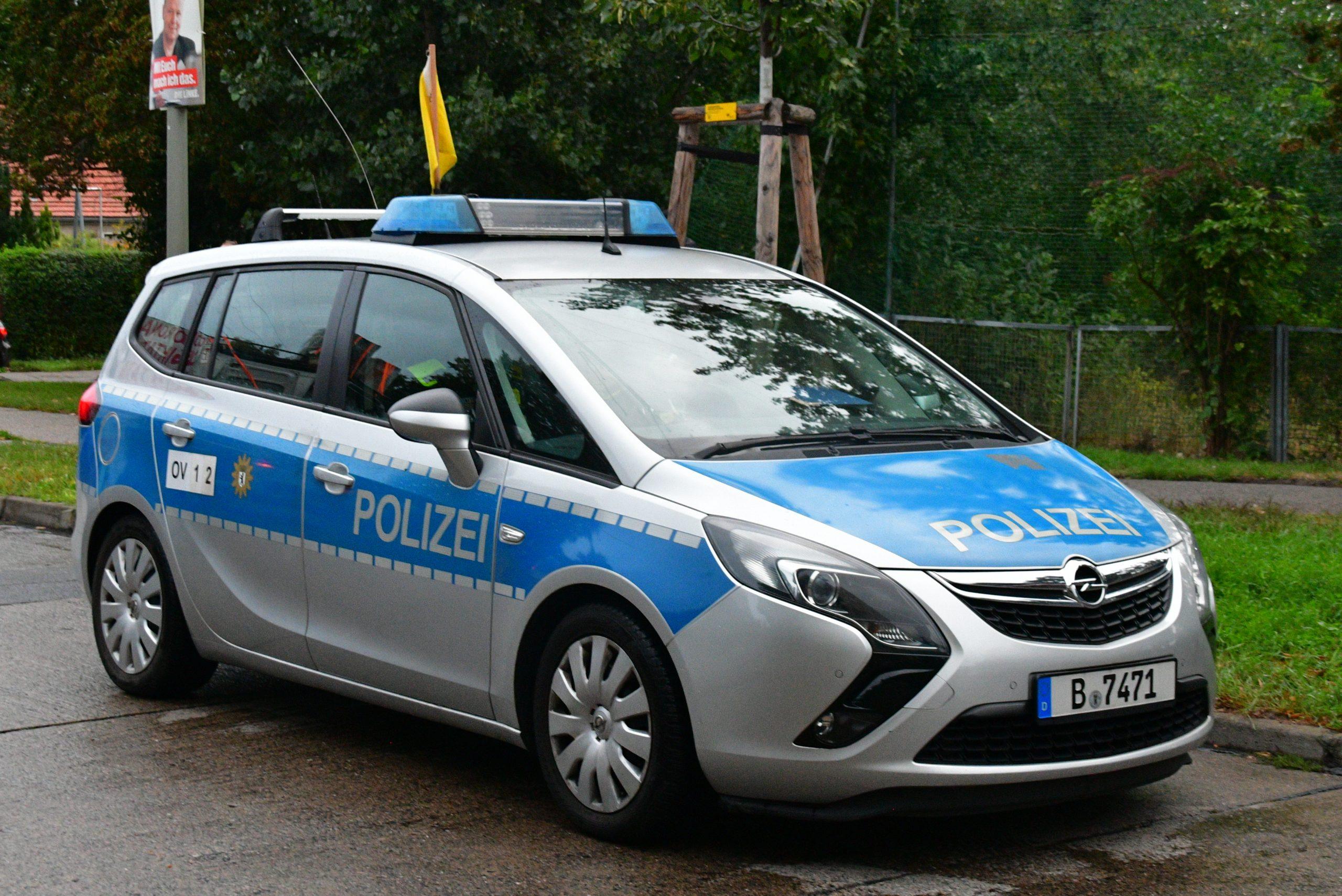 Opel Kombi silber-blau