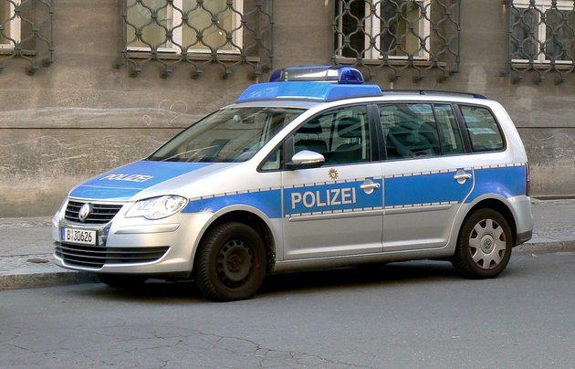 VW in silber und blau