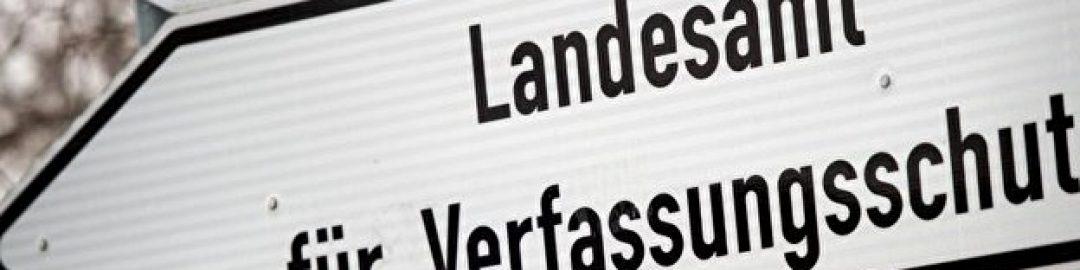 """Hinweisschild zum """"Landesamt für Verfassungsschutz"""""""